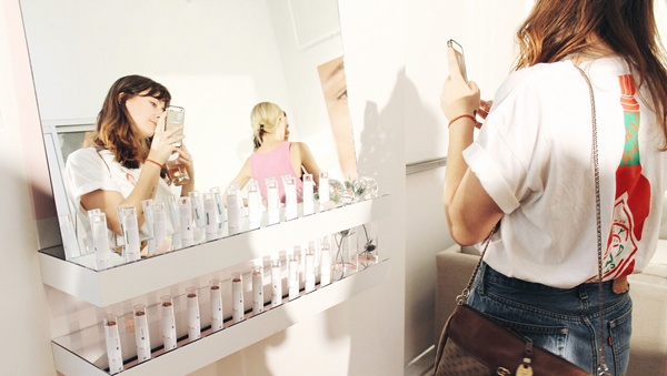 Customers-Want-Highly-Personalized-Interactions---glossier